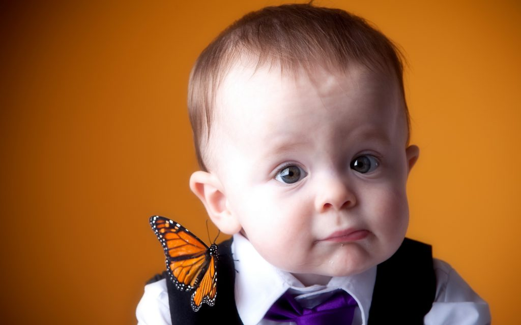 people___children_boy_with_a_butterfly_042664_